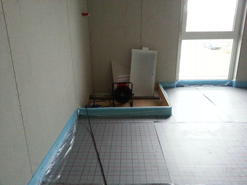 d mmung des fu boden wir bauen dann mal ein haus. Black Bedroom Furniture Sets. Home Design Ideas