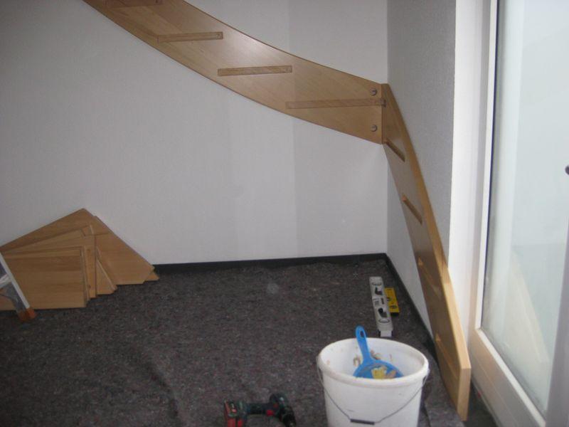 Top Einbau der Holztreppe › Wir bauen dann mal ein Haus FO86