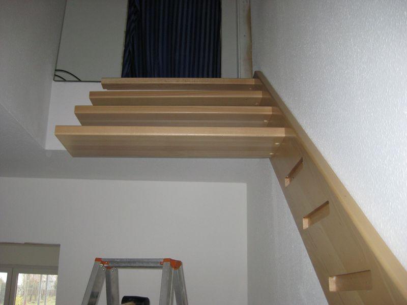 Einbau der holztreppe wir bauen dann mal ein haus - Holztreppe selber bauen ...