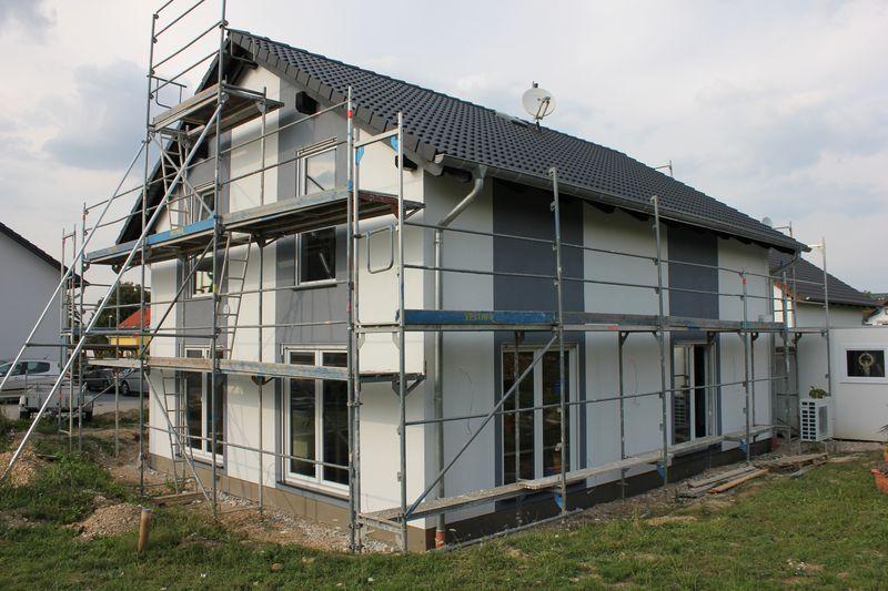farbanstrich der hausfassade wir bauen dann mal ein haus. Black Bedroom Furniture Sets. Home Design Ideas
