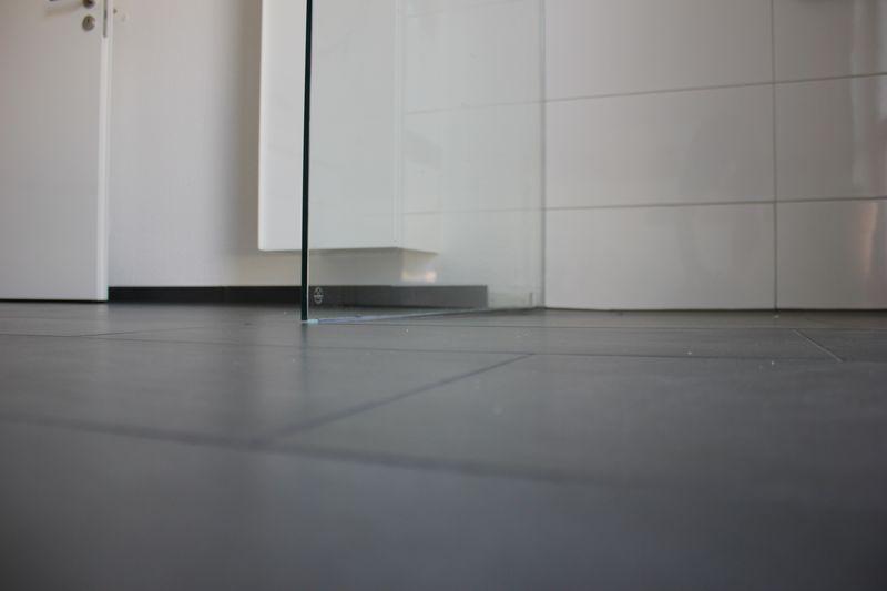 10mm sicherheitsglas f r die duschabtrennung aus glas wir bauen dann mal ein haus. Black Bedroom Furniture Sets. Home Design Ideas