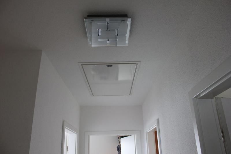 led leuchte mit optimaler ausleuchtung f r treppe und flur wir bauen dann mal ein haus. Black Bedroom Furniture Sets. Home Design Ideas