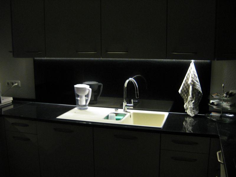 k che led unterschrankbeleuchtung selbst gemacht wir. Black Bedroom Furniture Sets. Home Design Ideas