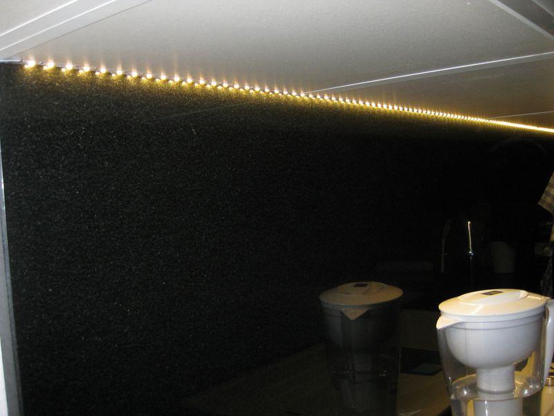 k che led unterschrankbeleuchtung selbst gemacht wir bauen dann mal ein haus. Black Bedroom Furniture Sets. Home Design Ideas