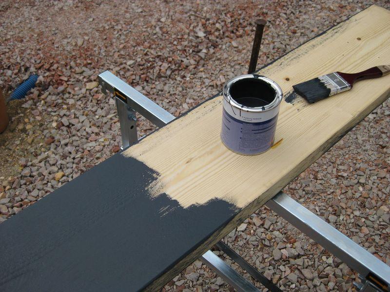 mit holz farbe und ein paar schrauben ein sitzbank gebaut. Black Bedroom Furniture Sets. Home Design Ideas