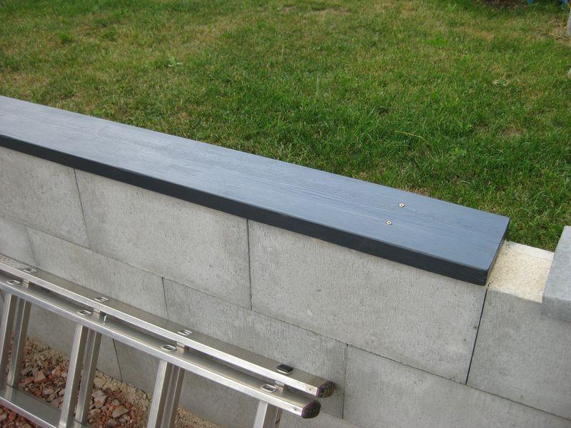Mit Holz Farbe Und Ein Paar Schrauben Ein Sitzbank Gebaut