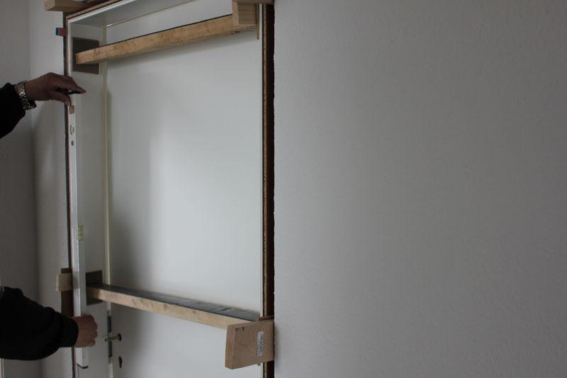 drei t rzargen sind gesetzt wir bauen dann mal ein haus. Black Bedroom Furniture Sets. Home Design Ideas