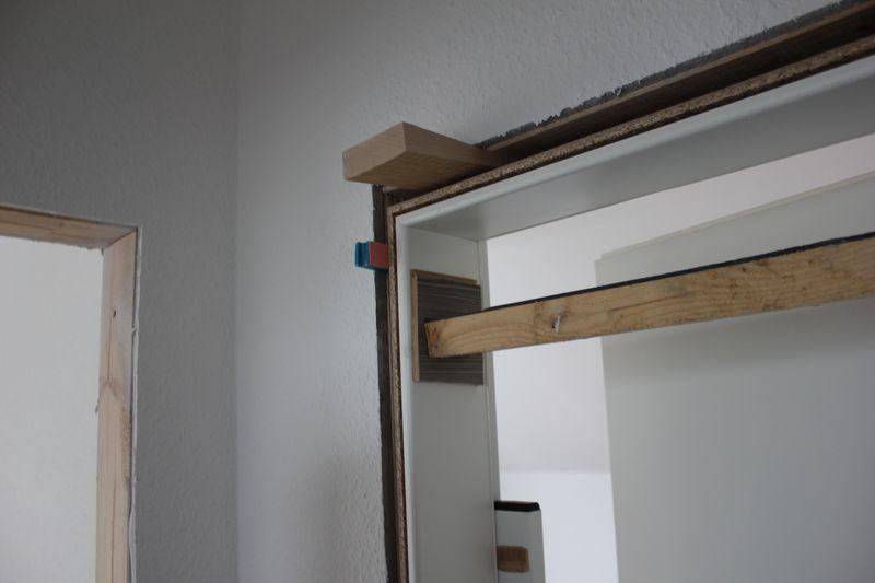 fliesen folie drei t rzargen sind gesetzt wir bauen dann. Black Bedroom Furniture Sets. Home Design Ideas