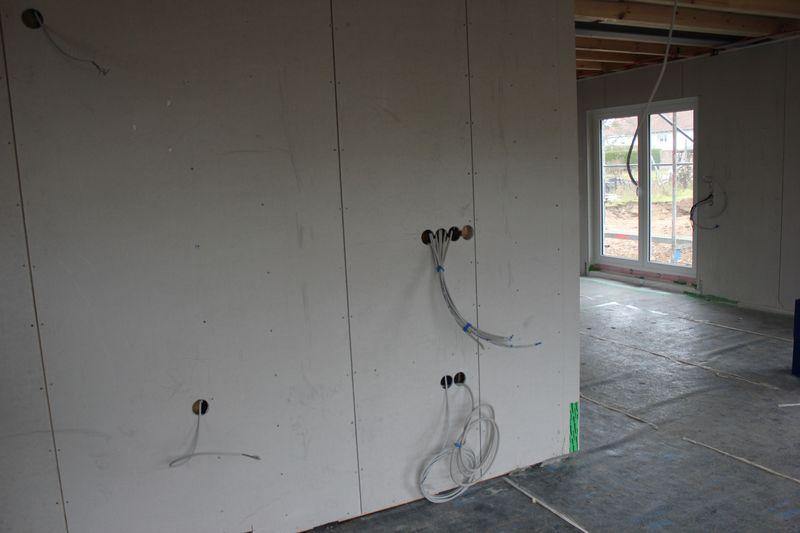 die elektrokabel sind verlegt wir bauen dann mal ein haus. Black Bedroom Furniture Sets. Home Design Ideas