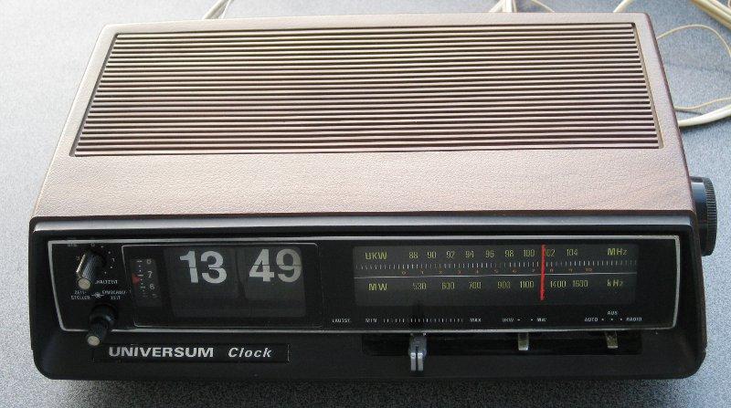universum clock radio w2720