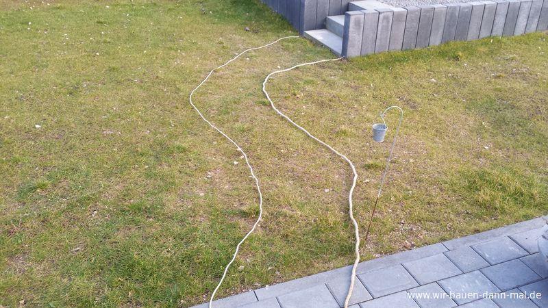 wie einen leicht geschwungenen gehweg im garten anlegen? › wir, Garten und Bauen