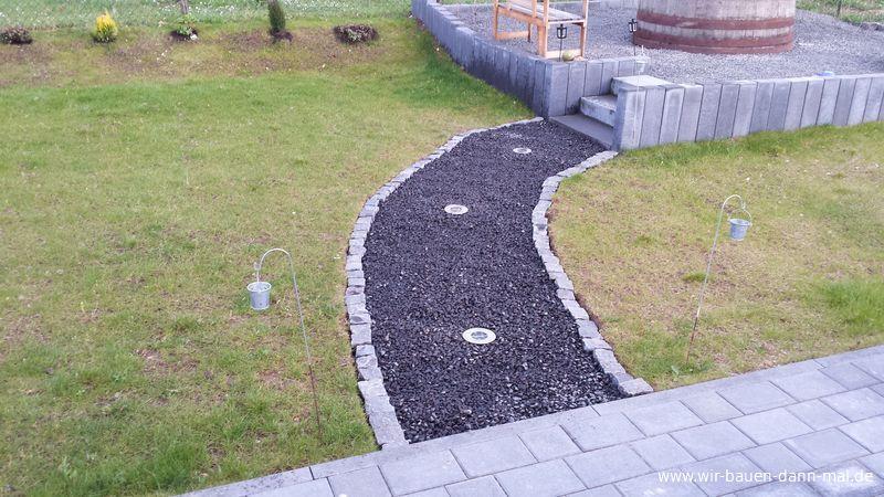 Dekorative beleuchtung von gehwegen und objekten wir bauen dann mal ein haus - Gartenweg bauen ...