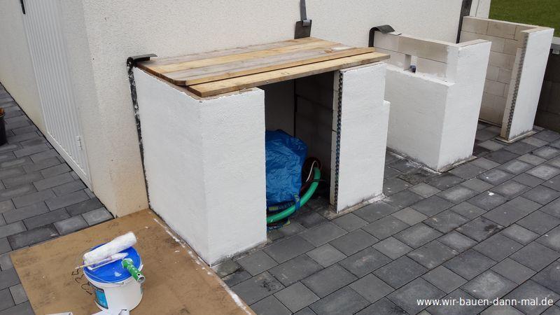 Die Mauern der Outdoor-Küche wurden mit Rollputz verputzt › Wir ...