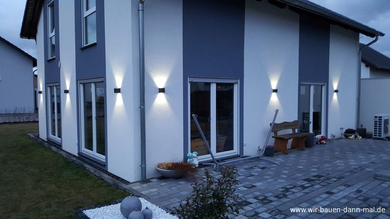 Beleuchtung der Hauswand mit LED Leuchten - Stromsparend und ...
