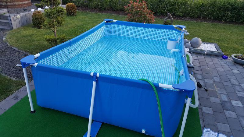 Top Intex Familly Pool auf der Terrasse aufgestellt › Wir bauen dann JM39